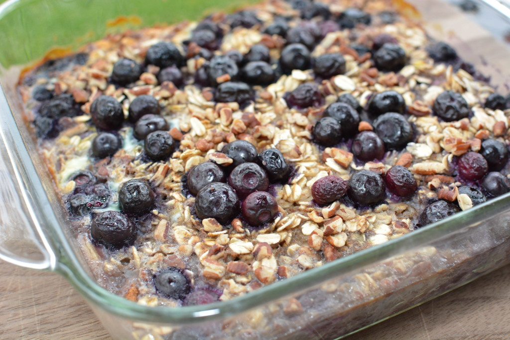 Baked Blueberry and Banana Oatmeal