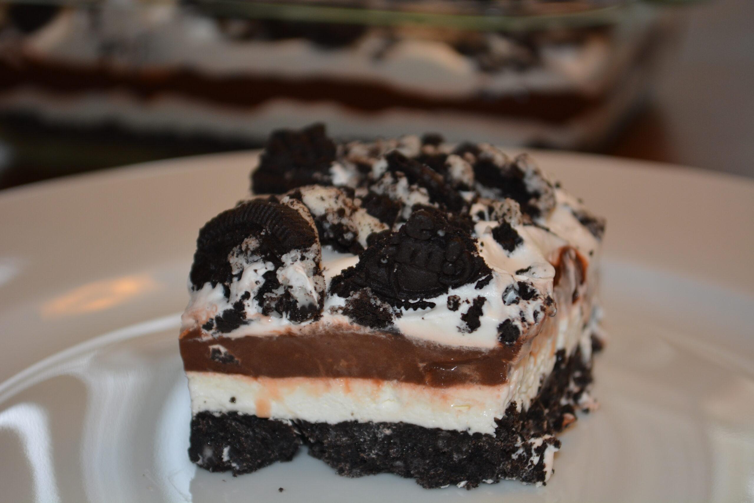 Chocolate Oreo Pudding Bars | The Cookin Chicks