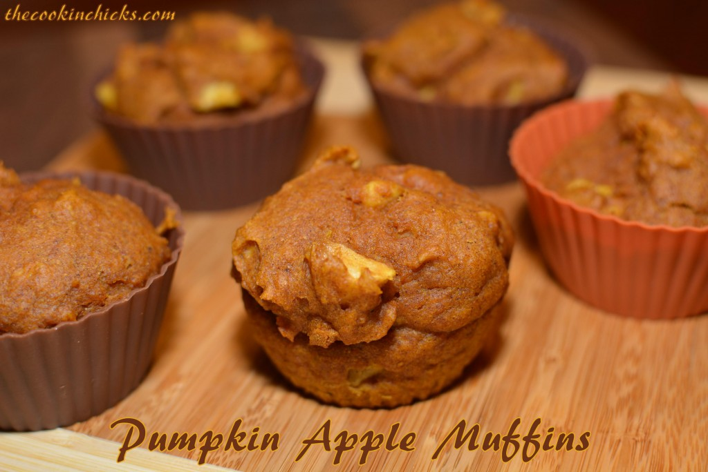 Pumpkin Apple Muffins | The Cookin Chicks