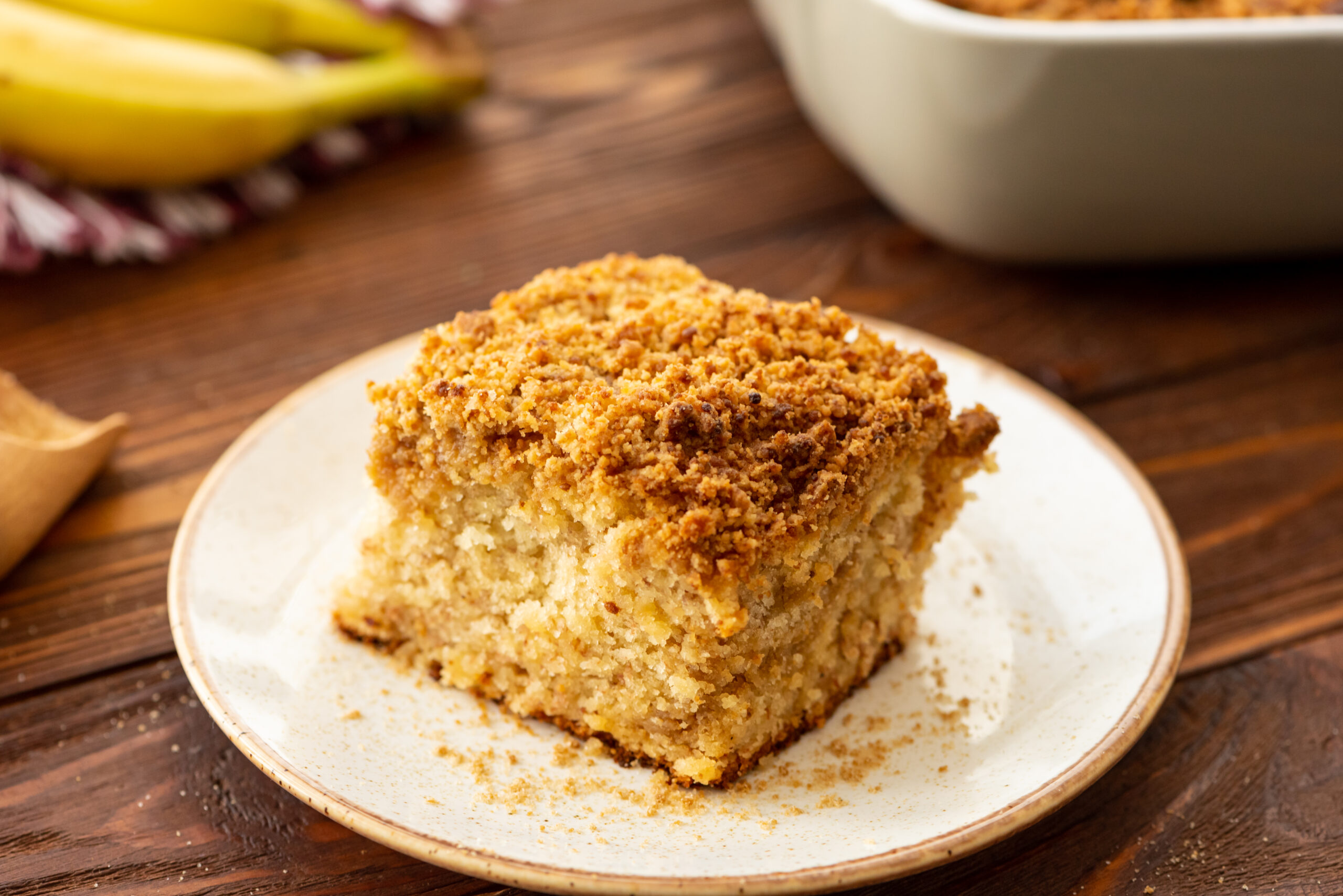 Banana Bread Crumb Cake - The Cookin Chicks