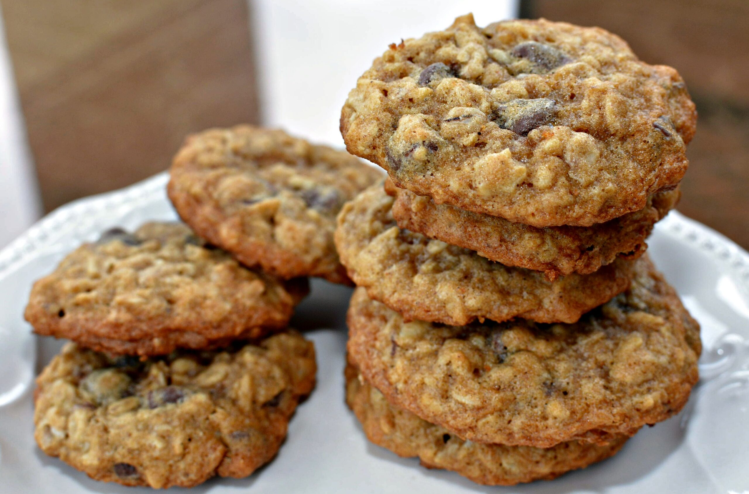 The BEST Oatmeal Chocolate Chip Cookies | The Cookin Chicks