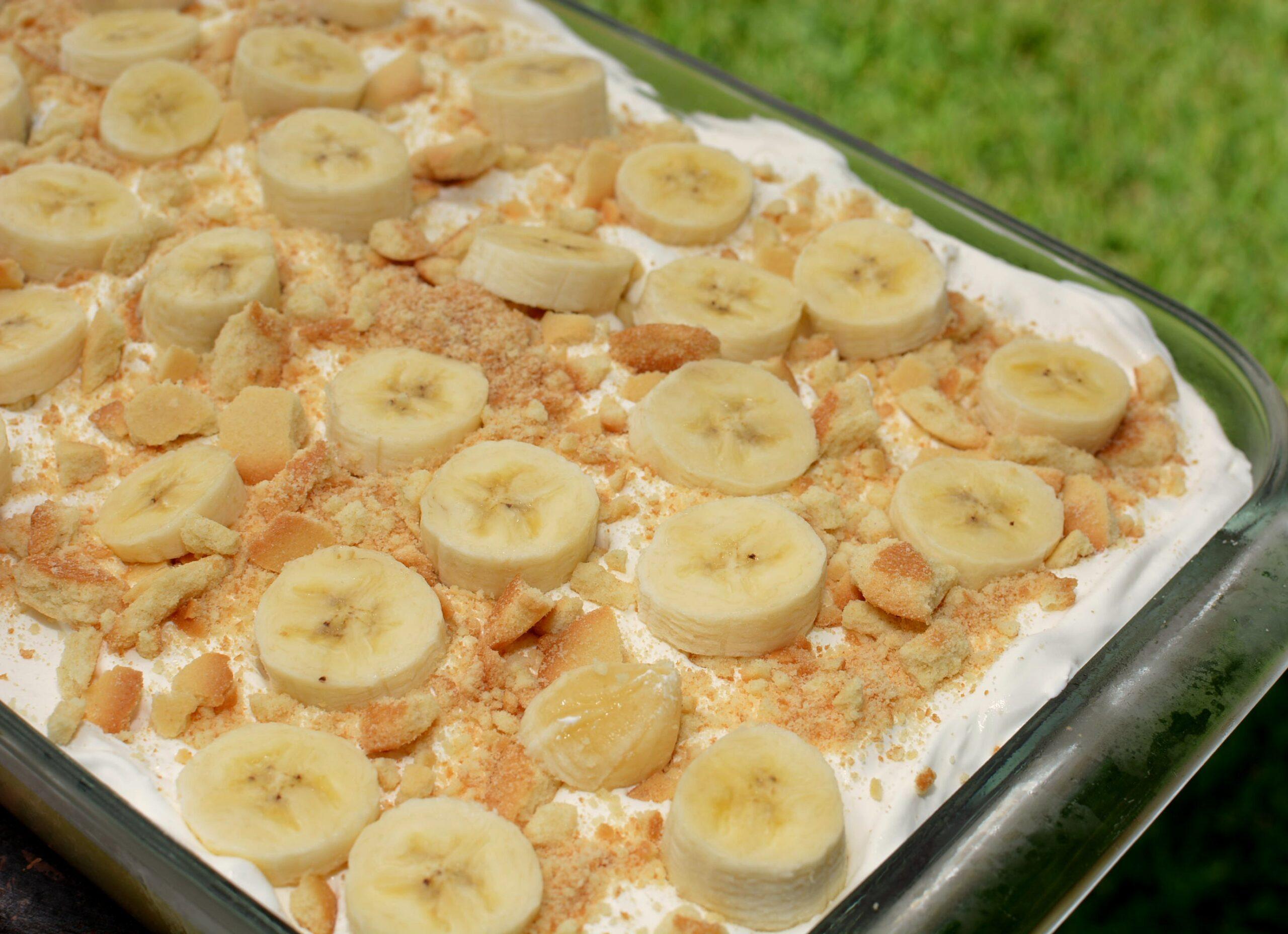 Banana Pudding Poke Cake The Cookin Chicks