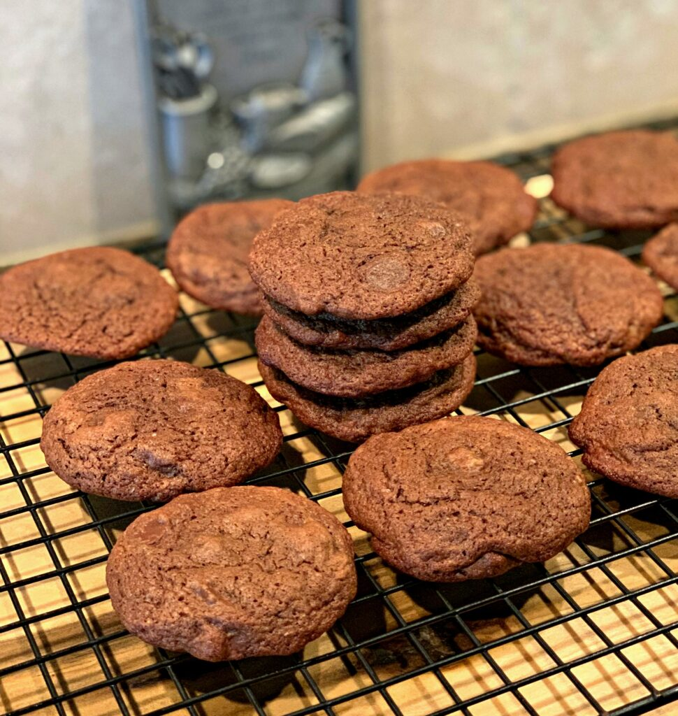 fudge like cookies that closely resemble brownies