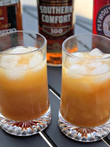 Alabama slammer cocktail recipe is a sweet drink, so if you're all about sweet drinks, this one is for you!